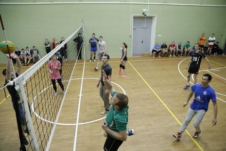 В ПМК «Нева» Красногвардейского района состоялся «Ноябрьский» турнир по волейболу
